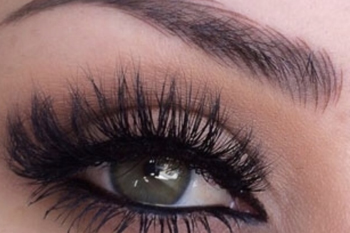 EYELASH EXTENSIONS & PERMANENT MAKEUP